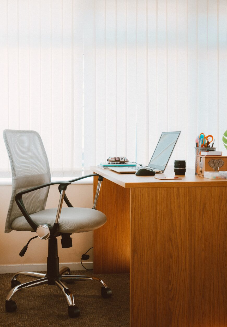 Rented Office Chairs Are a Cost-efficient Option For Business Startups